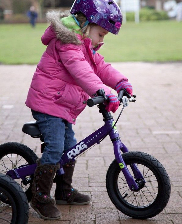 Balance Bikes Vs Stabilisers Frogs And Frog Bikes Hop To It
