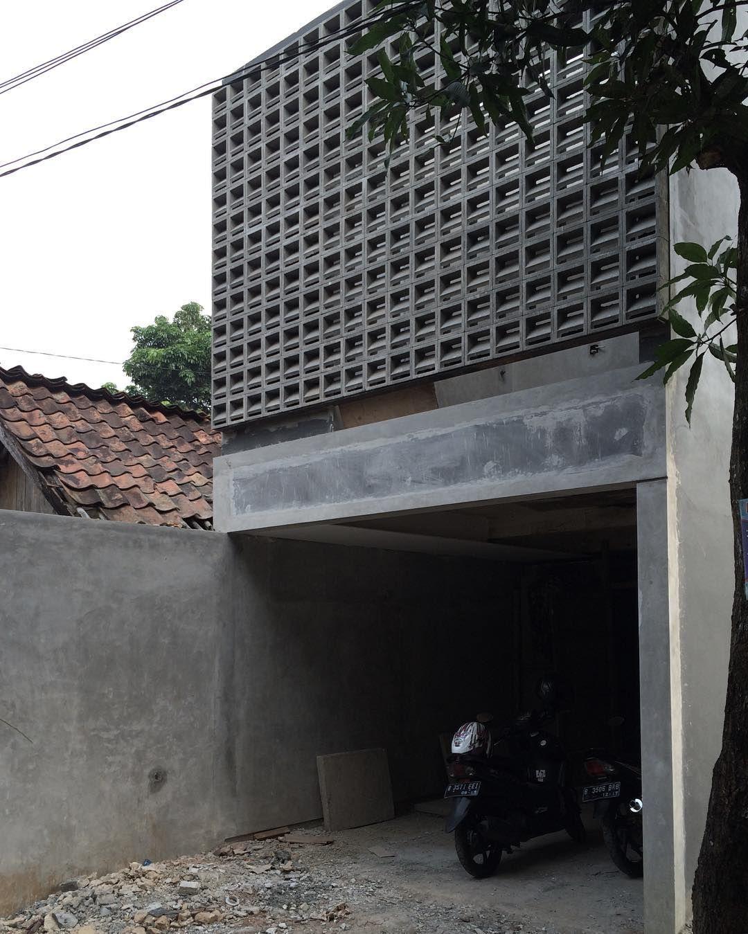 Modern Smallhouse Home: Sitting On The Wall #ventblocks # Smallhouse