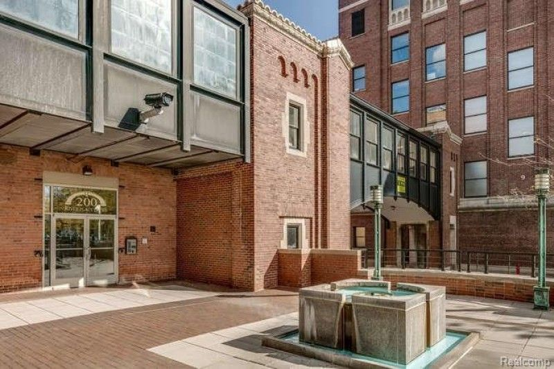 200 River Place 06 Www Theloftwarehouse Com Midtown Detroit