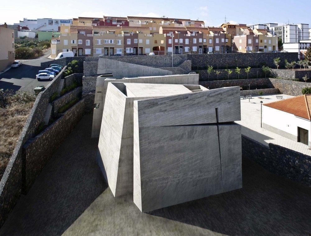 Holy Redeemer Church / Menis Arquitectos (via Gau Paris)