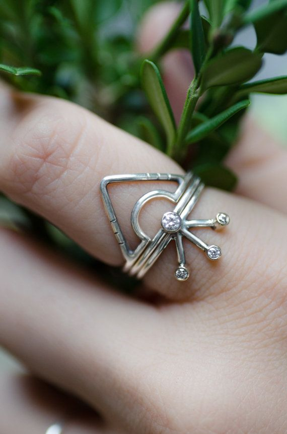 Three Stone Starburst Ring Sterling Silver 14k Gold And Moissanite Stacking Ring Statement Ring Sterling Silver Rings Sterling Ring Silver