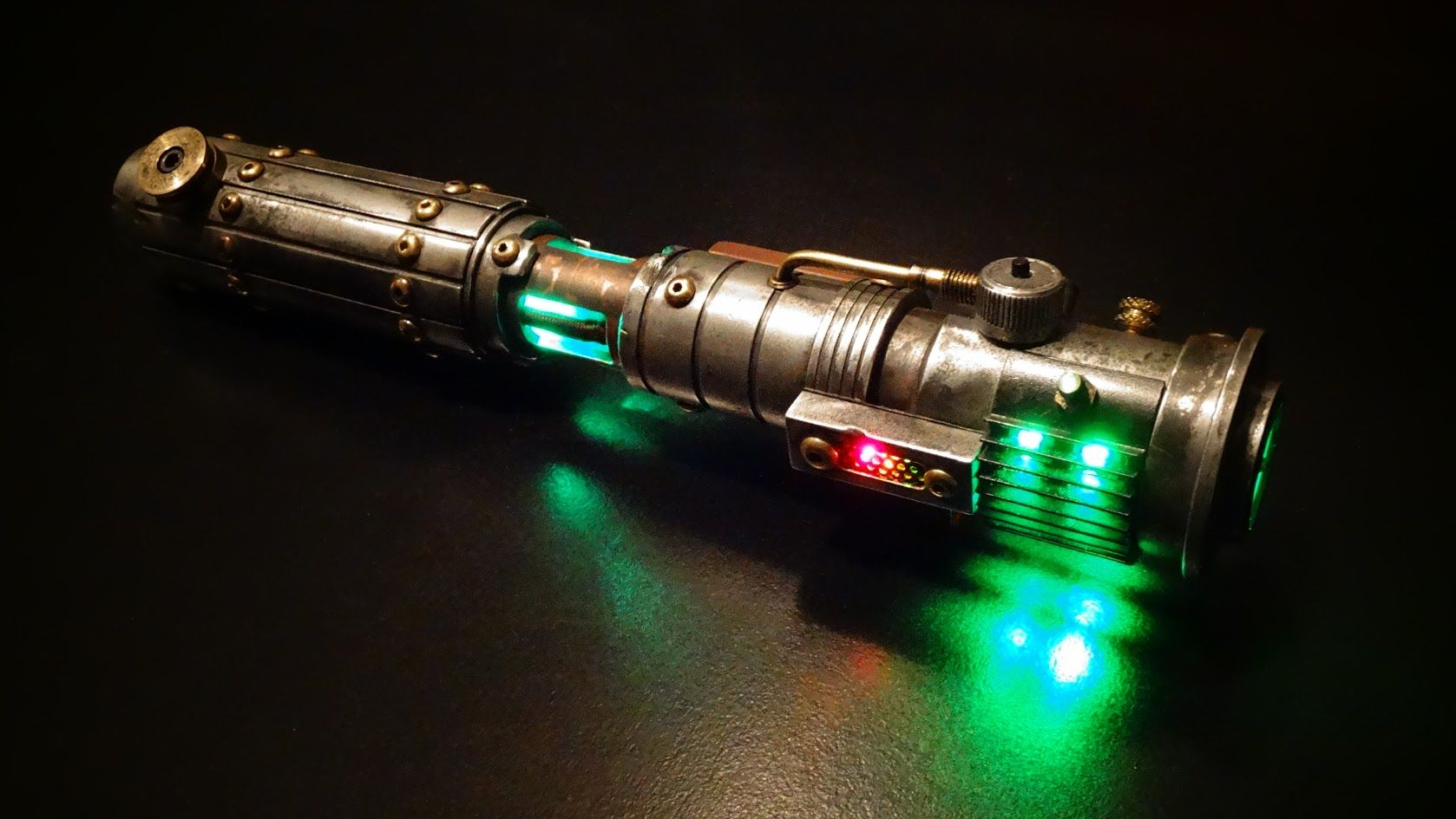 Jade Primo Lightsaber | Lightsabers & Stands by Solos Hold