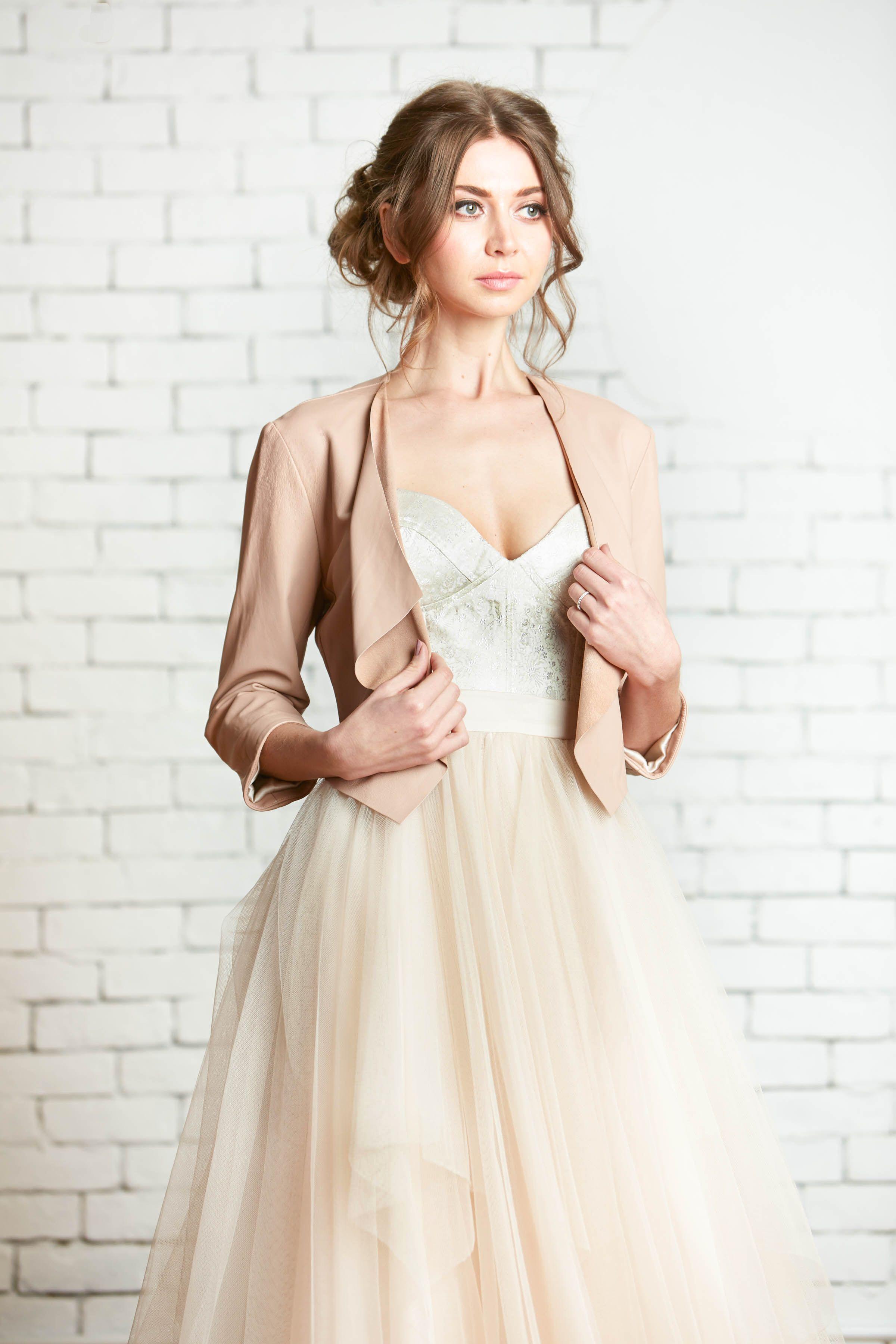 Rebecca Schoneveld Bridal Gown The Verona Leather Jacket Avery Mckinley Wedding Gown Handmade In Brooklyn Vestito Da Sposa Sposa Vestiti [ 3600 x 2400 Pixel ]