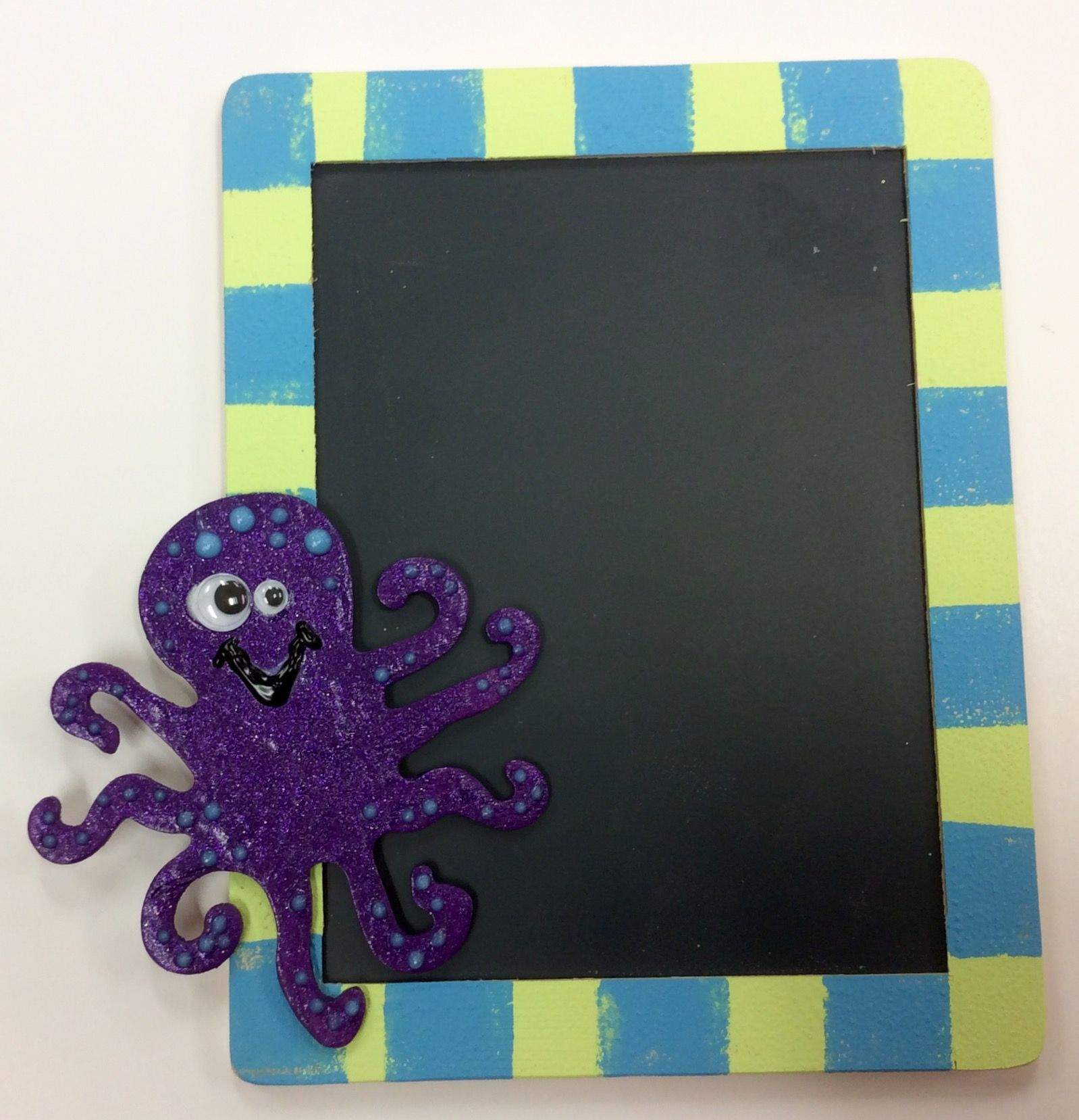 Octopus Chalkboard craft I made as a sample for AC Moore. Paint wood ...