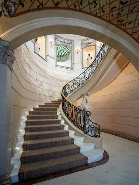 Great Elegant Château Staircase