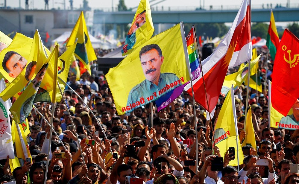 #Media #Oligarchs #MegaBanks vs #Union #Occupy #BLM  THOUSANDS OF KURDS IN GERMANY STAGE ANTI-ERDOGAN PROTEST   http://www.nrttv.com/EN/Details.aspx?Jimare=9803   Several thousand Kurds and supporters demonstrated on Saturday (September 3) against the politics of Turkish President Recep Tayyip Erdogan in the German city of Cologne.  According to the police, some 25,000 people met at the rally to protest Turkey's military intervention into northern Syria and what the organizers called the