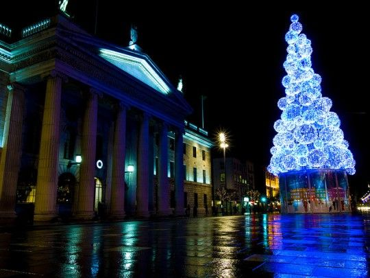 Christmas Tree on O\u0027Connell Street Ireland Things to Do