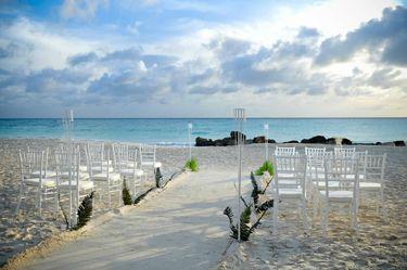 Divi Aruba All Inclusive Beach Wedding Feature Erin Chris