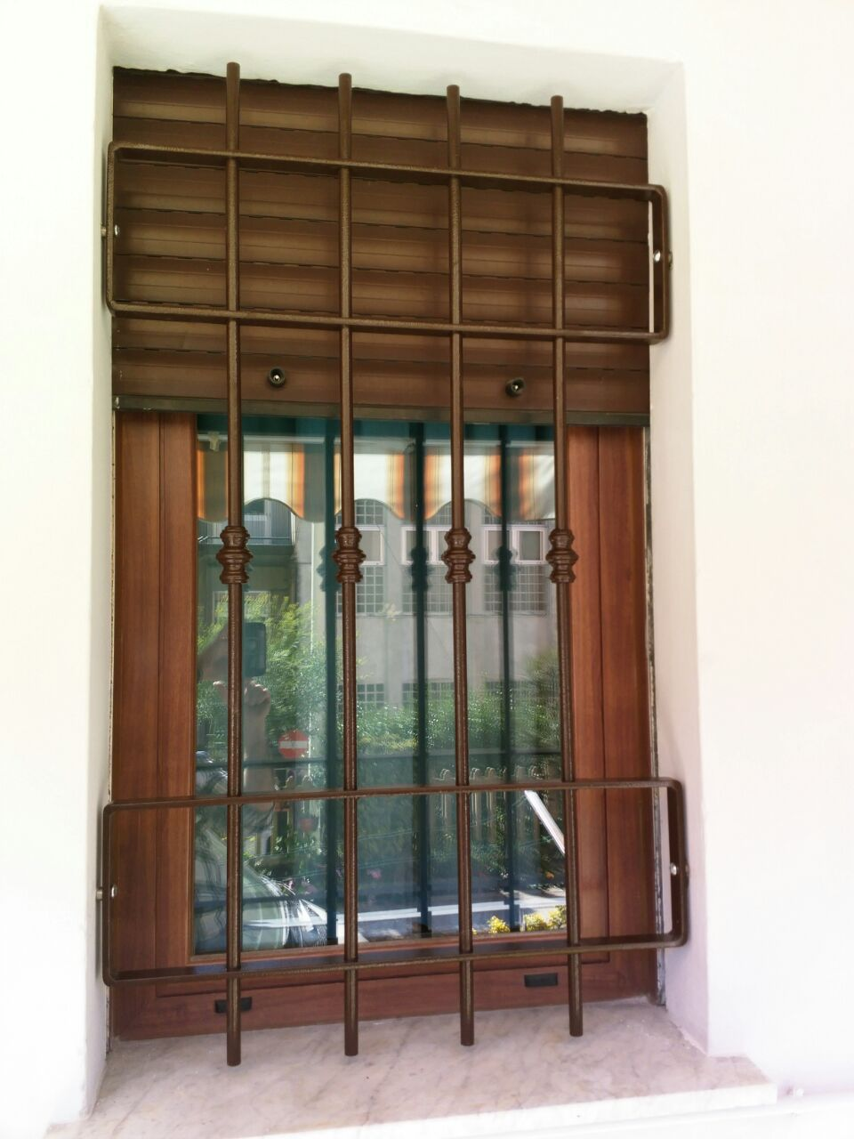 Inferriate di sicurezza per porte finestre e portefinestre al minor prezzo inferriate di - Inferriate mobili per finestre ...