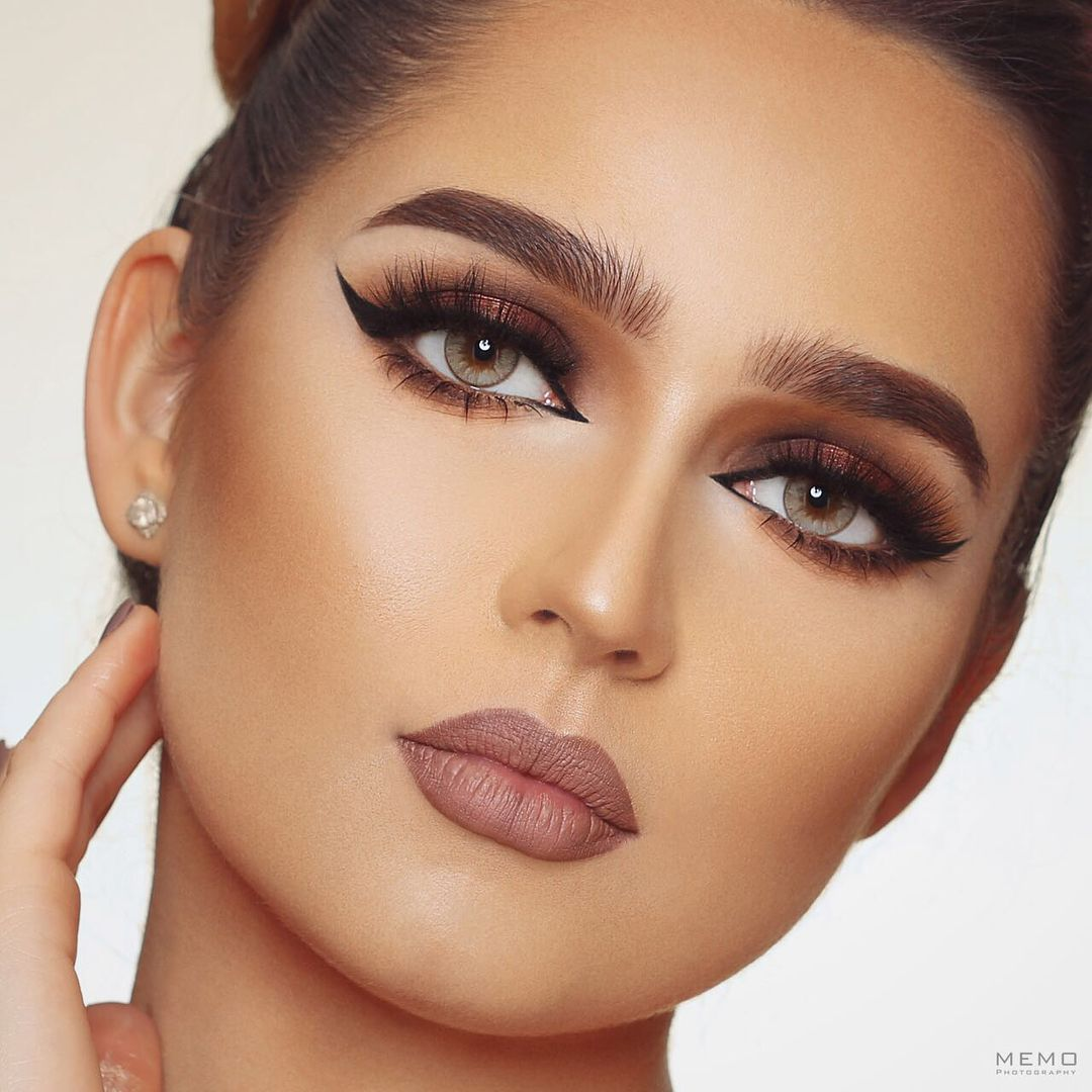 Pin by Shaikh Moiza on Makeup Best makeup products, Eye