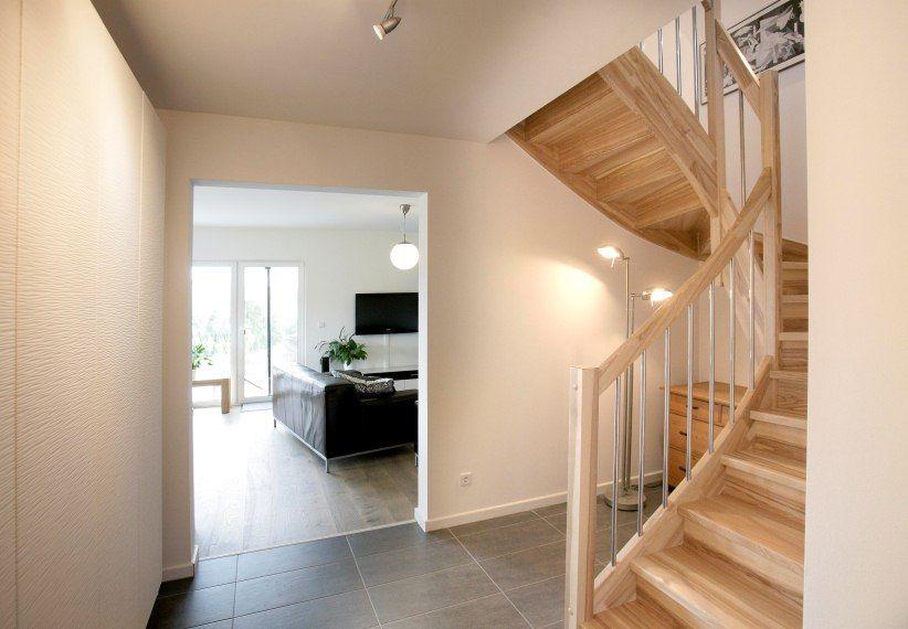 sch ne treppe point 127 4 67294 morschheim dan wood house schl sselfertige h user dream. Black Bedroom Furniture Sets. Home Design Ideas