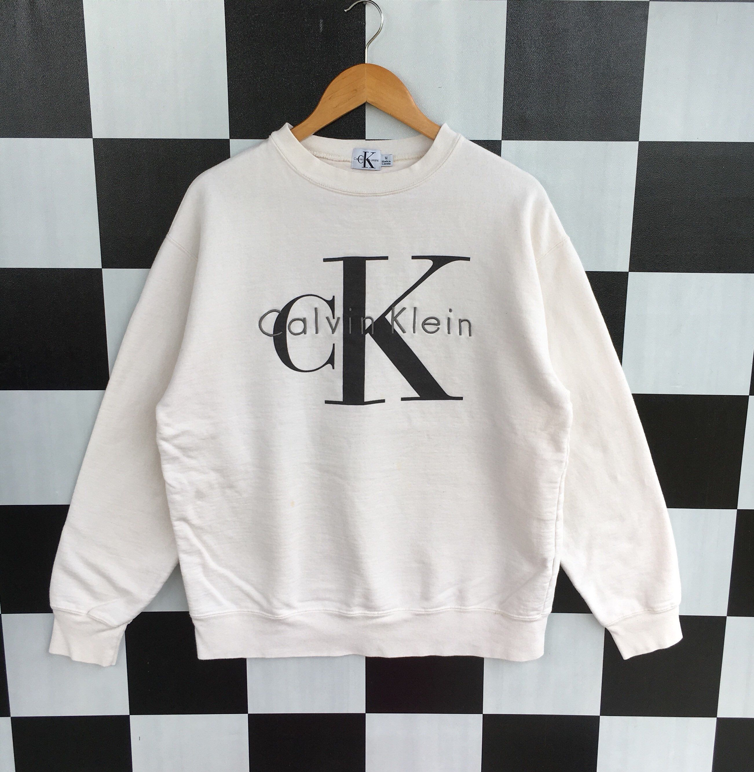 Excited To Share This Item From My Etsy Shop Vintage 90s Calvin Klein Big Logo Sweatshirt Calvin Klein Sweatshirts Calvin Klein Jumper Calvin Klein Obsession