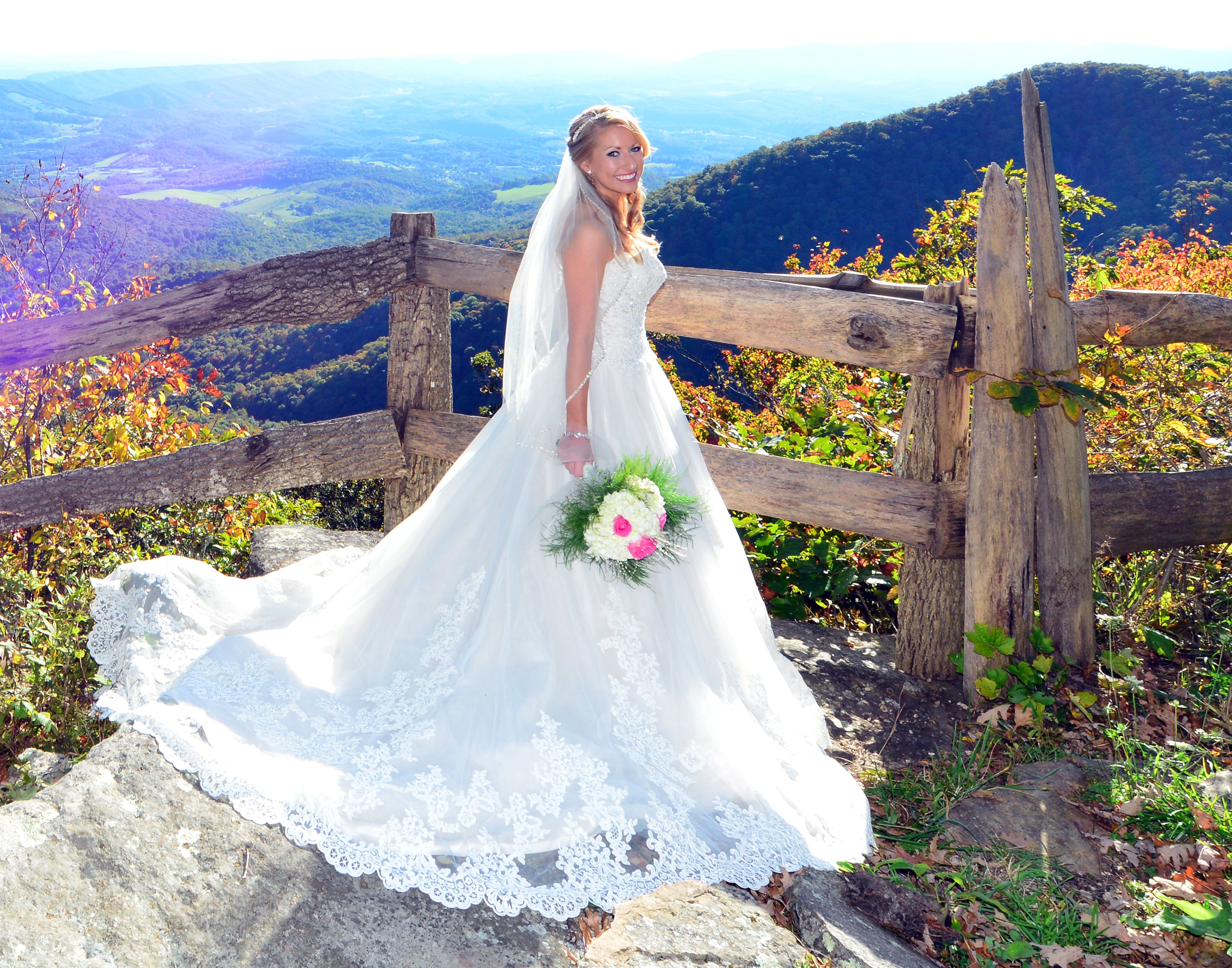 Sweeping mountain views // Mountain Lake Lodge Weddings ...