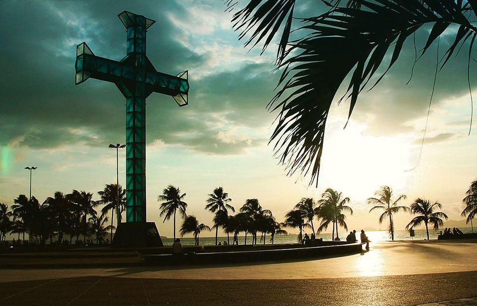 Paseo De La Cruz Y El Mar De Puerto La Cruz Beautiful Places Las Iguanas Venezuela