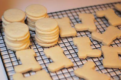 Best Cut-Out Cookie Recipe {vanilla almond}