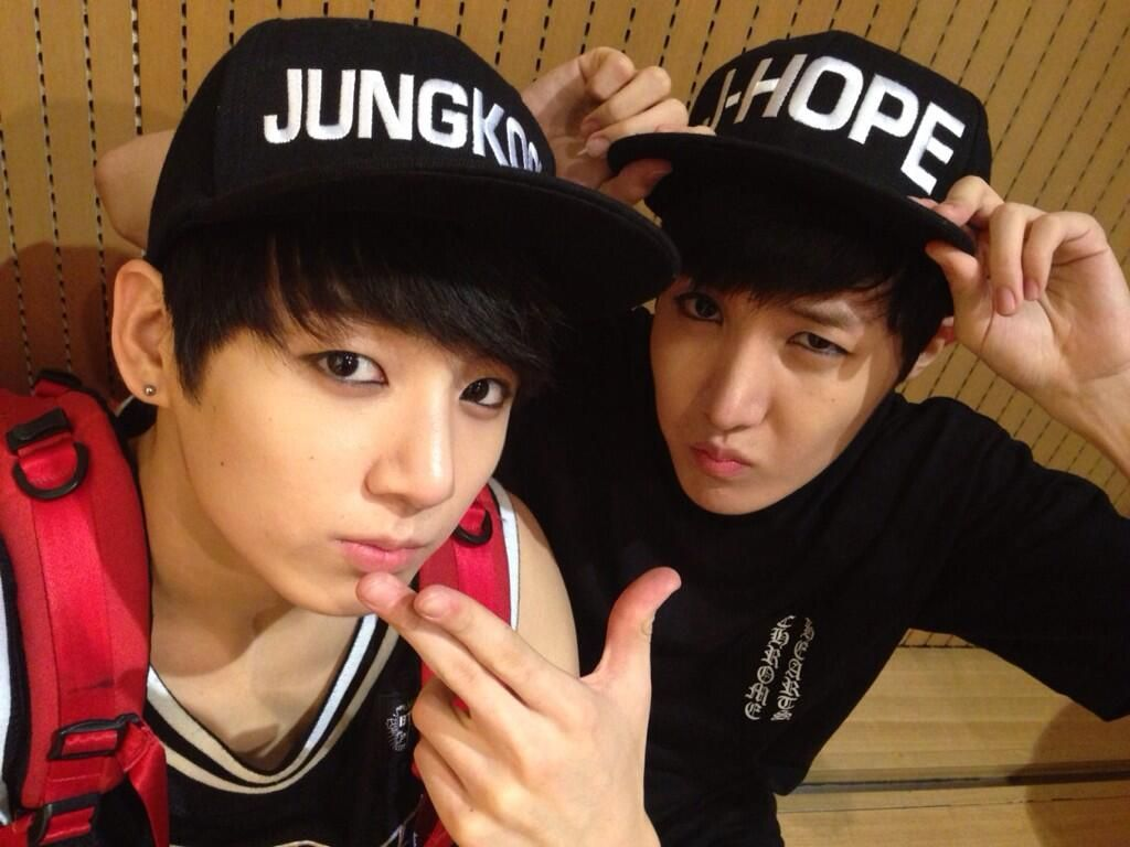 Ahh the cap!! Want! Jhopeee ♥♥♥