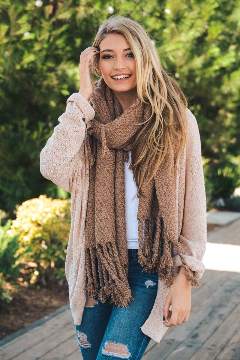 How to oversized an wear knit scarf video
