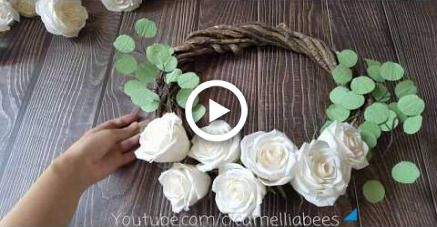 DIY Paper flower wreath making with white crepe paper roses #crepepaperroses