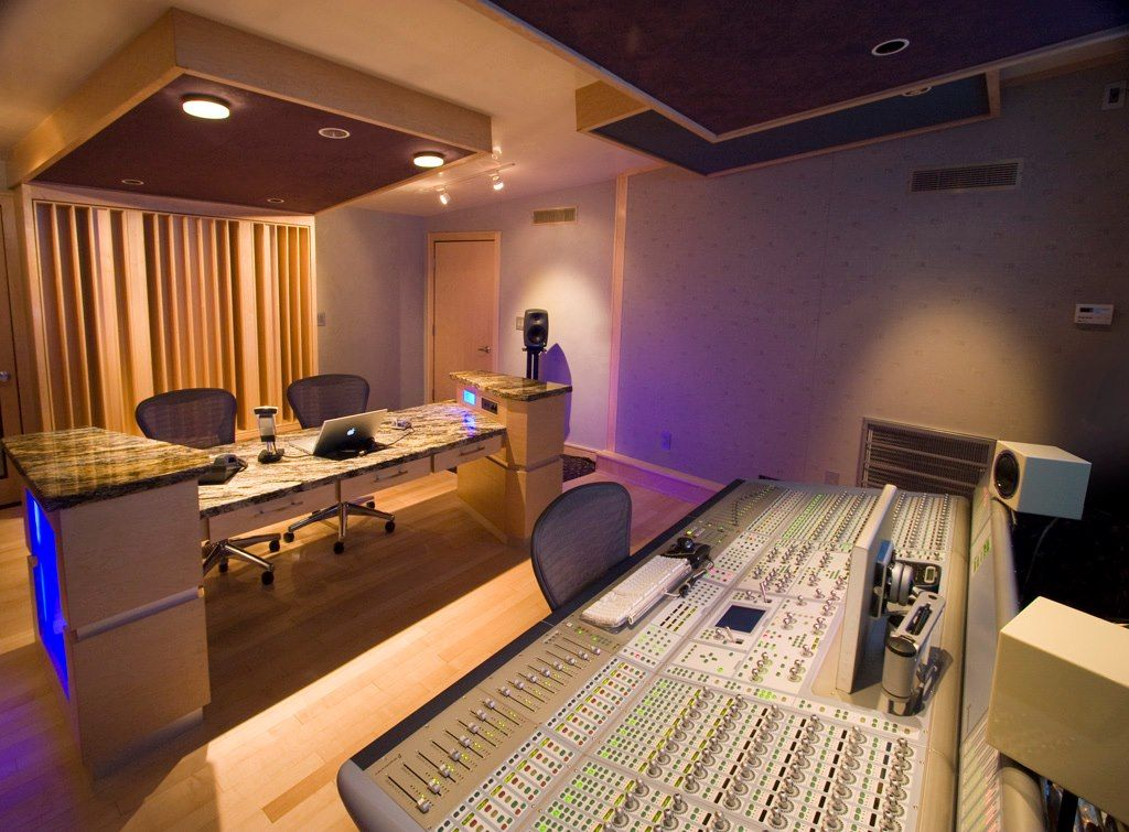 MUSIC STUDIO WITH SOUND PROOF RECORDING BOOTH
