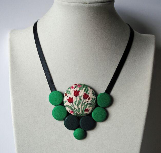 Collares - Collar de Botón forrado en tela - hecho a mano por DudoComplementos en DaWanda