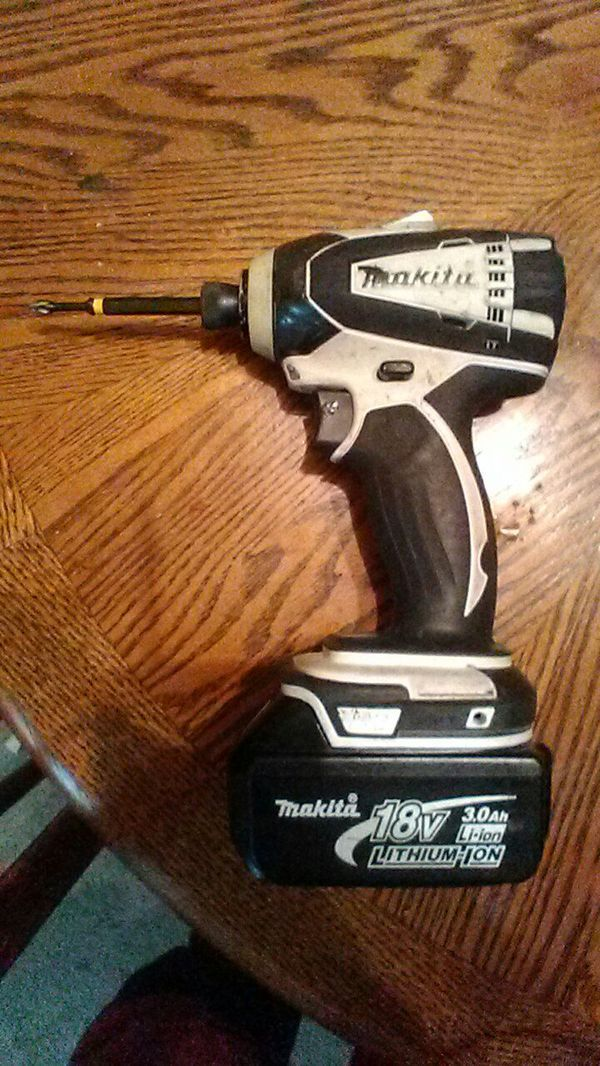 Makita 18v impact driver. in Broken Arrow, OK (sells for $80)