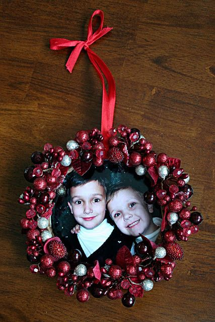 Diy Holiday Picture Frame Ornamentsi Let The Kids At Church