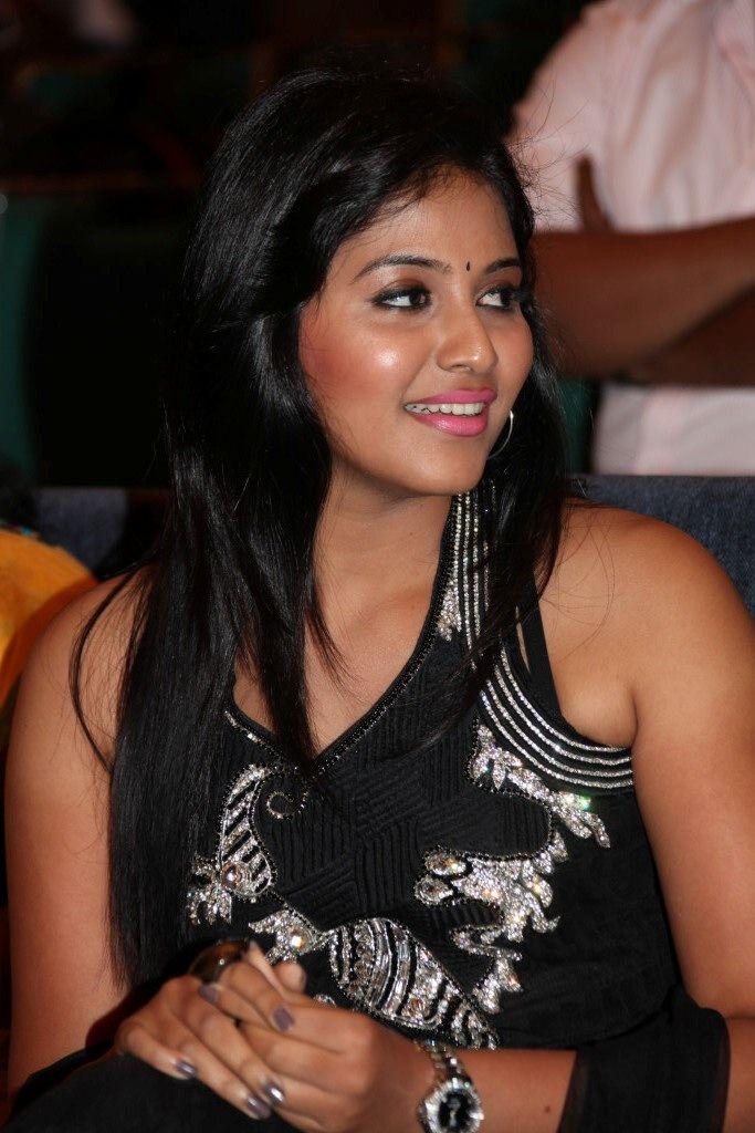 Anjali Latest Photo Stills Latest Telugu Movie Wallpapers And
