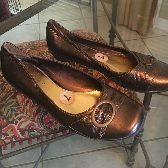 Kenneth Cole Reaction flats Copper Kenneth Cole Reaction flats. Very comfortable. Kenneth Cole Reaction Shoes Flats & Loafers