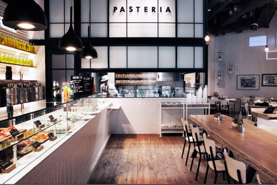 it restaurant italien paris aux airs de brooklyn italien air et paris. Black Bedroom Furniture Sets. Home Design Ideas