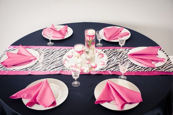 #WIld #ZebraPrint Table Runner With Fuchsia And Black Linens For #weddings,  #