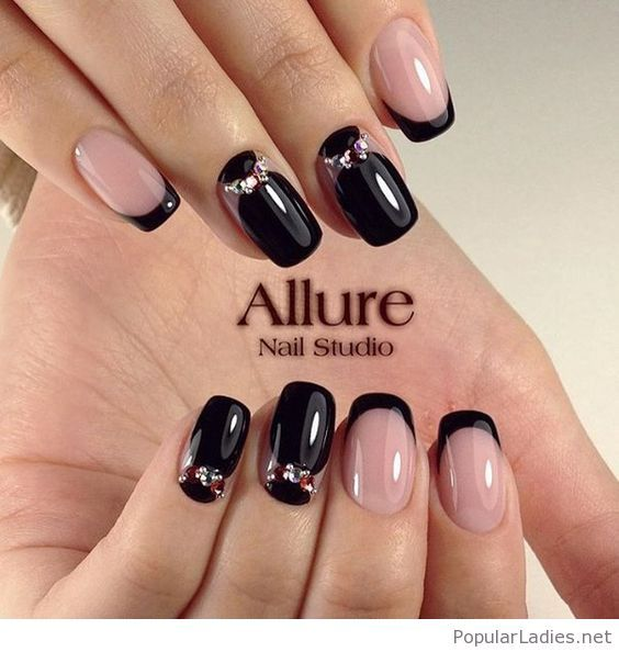 nude-and-black-gel-nails-design-with-some-nice-details - Nude And Black Gel Nails Design With Some Nice Details Nails