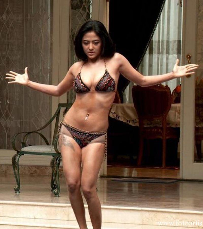 Artis Indo Bikini