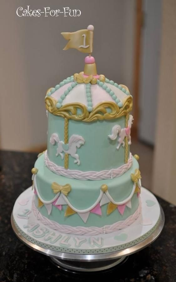 Carousel Cake With Smash Cake For Baby S First Birthday Carousel