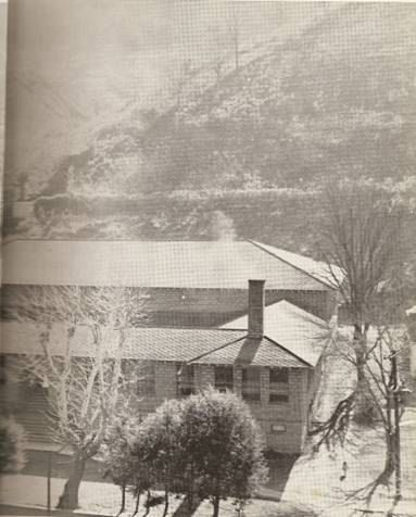 1956 Hindman High School Right Side When I Was Growing Up We Called It The Middle School Appalachia Places West Virginia