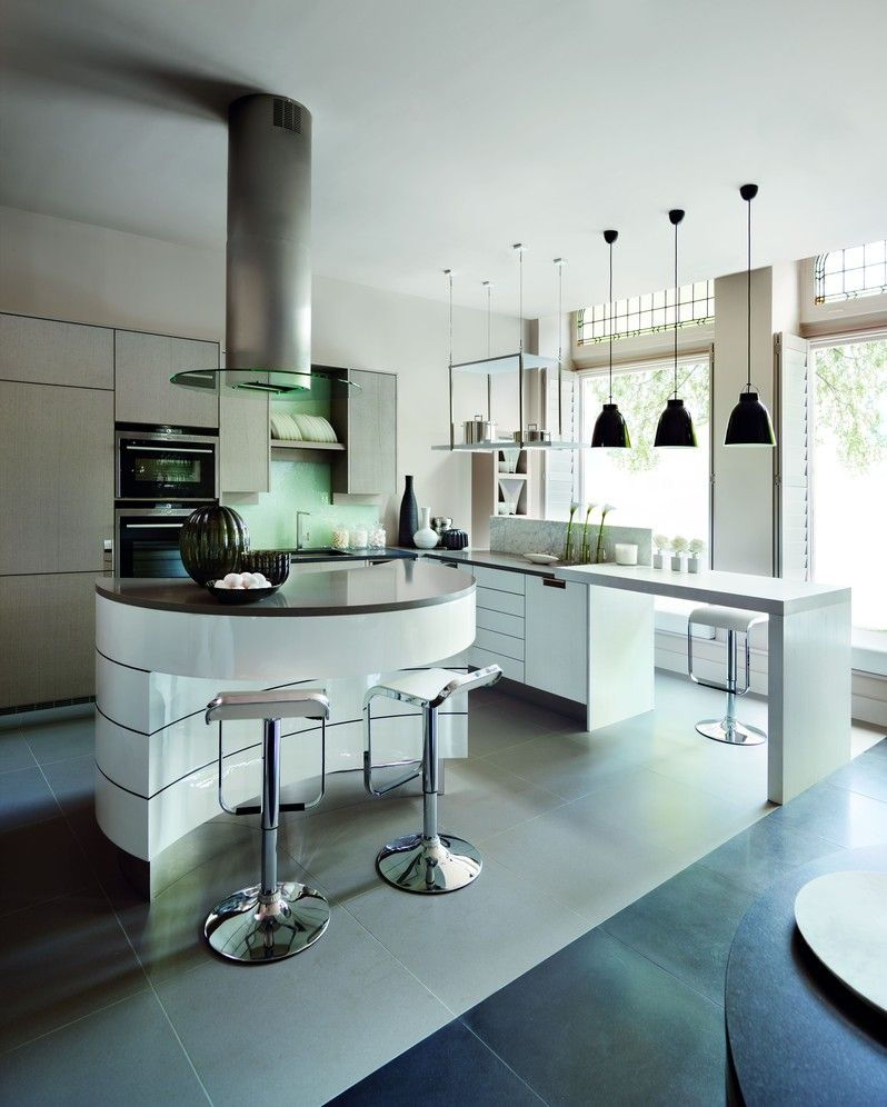 The island in the new Kelly Hoppen kitchen is a homage to Willy ...