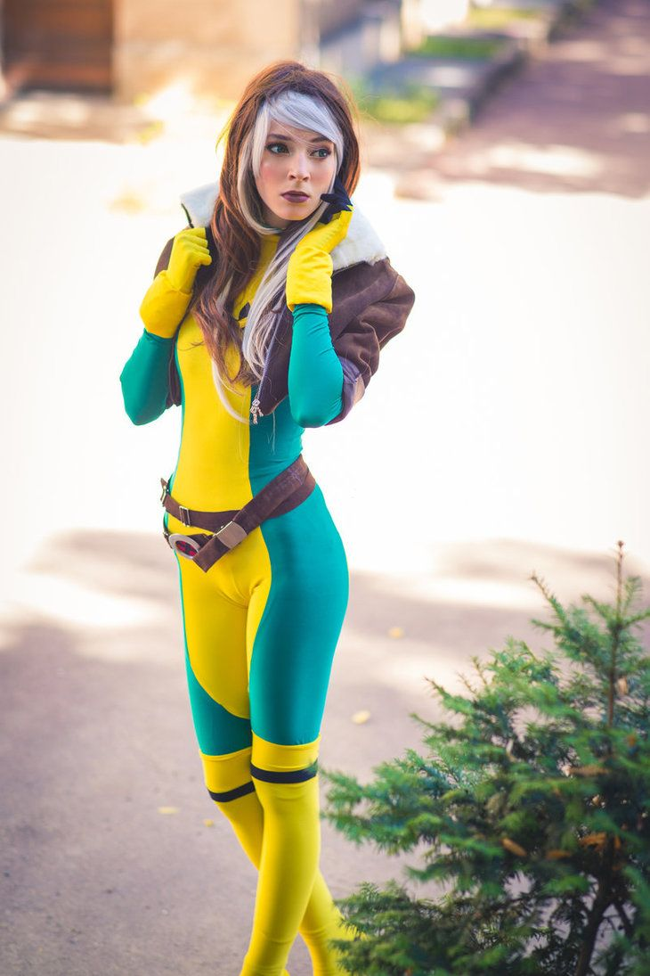 Rogue Cosplay X Men By Ainlina On Deviantart Cosplay Pinterest