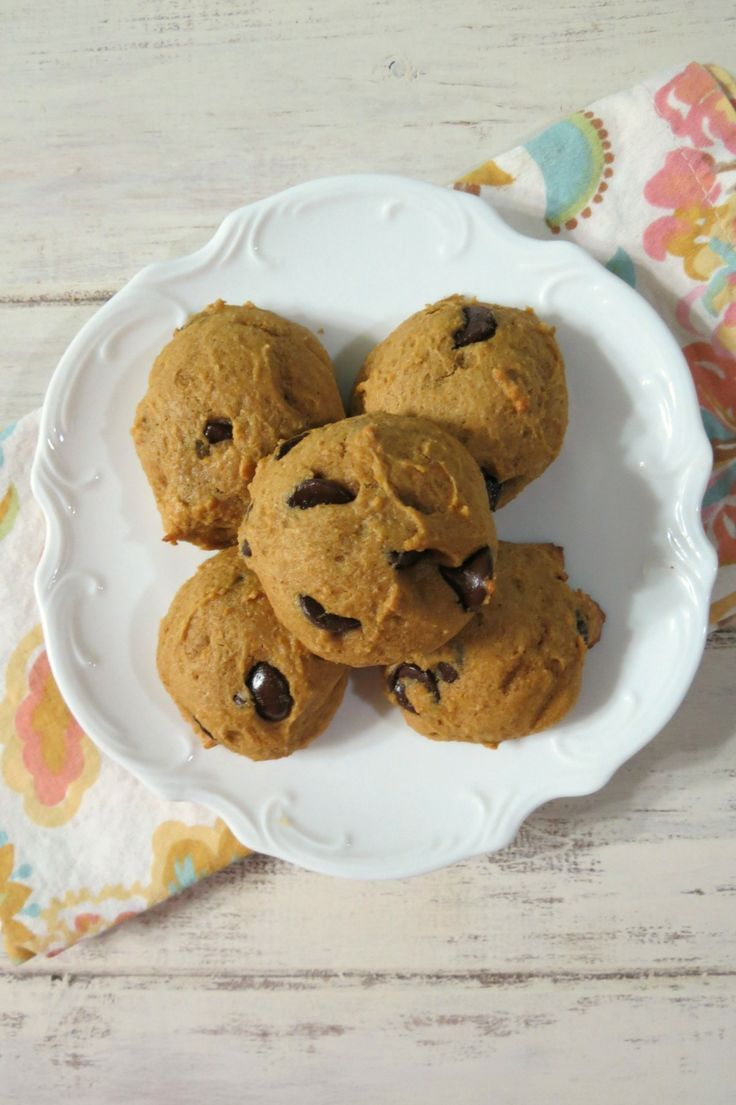 Pumpkin Chocolate Chip Cookies - A fluffy cake like cookie that tastes like pumpkin bread filled with chocolate chips. 2 Weight Watcher points plus each