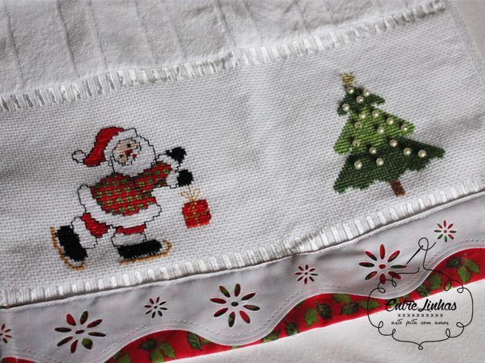 http://entrelinhas-feitoamao.blogspot.com.br/2015/11/toalhas-natalinas-comprinhas-de-tecido.html