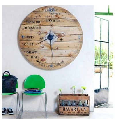 horloge en bois palette id es cr atives cagette bois. Black Bedroom Furniture Sets. Home Design Ideas