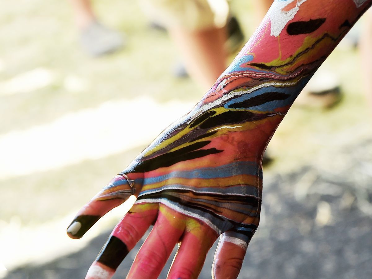 Body Marbling Is The Easiest Coolest Way To Paint Your Skin Skin Paint Body Painting Body Art Painting
