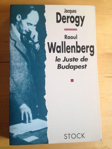 #histoire #2WW : Raoul Wallenberg - Le Juste De Budapest - Jacques Derogy. Raoul Wallenberg, issu de la plus puissante famille de Suède, n'a pas trente-deux ans quand il s'engage dans une mission impossible demandée par Roosevelt : préserver la dernière communauté juive d'Europe vouée à la solution finale. Rien de poussait cet aristocrate vers l'enfer de Budapest sous la botte nazie, vers une Hongrie gouvernée par le falot et sénile dictateur Horthy. Rien, sinon un sentiment irrépressible…