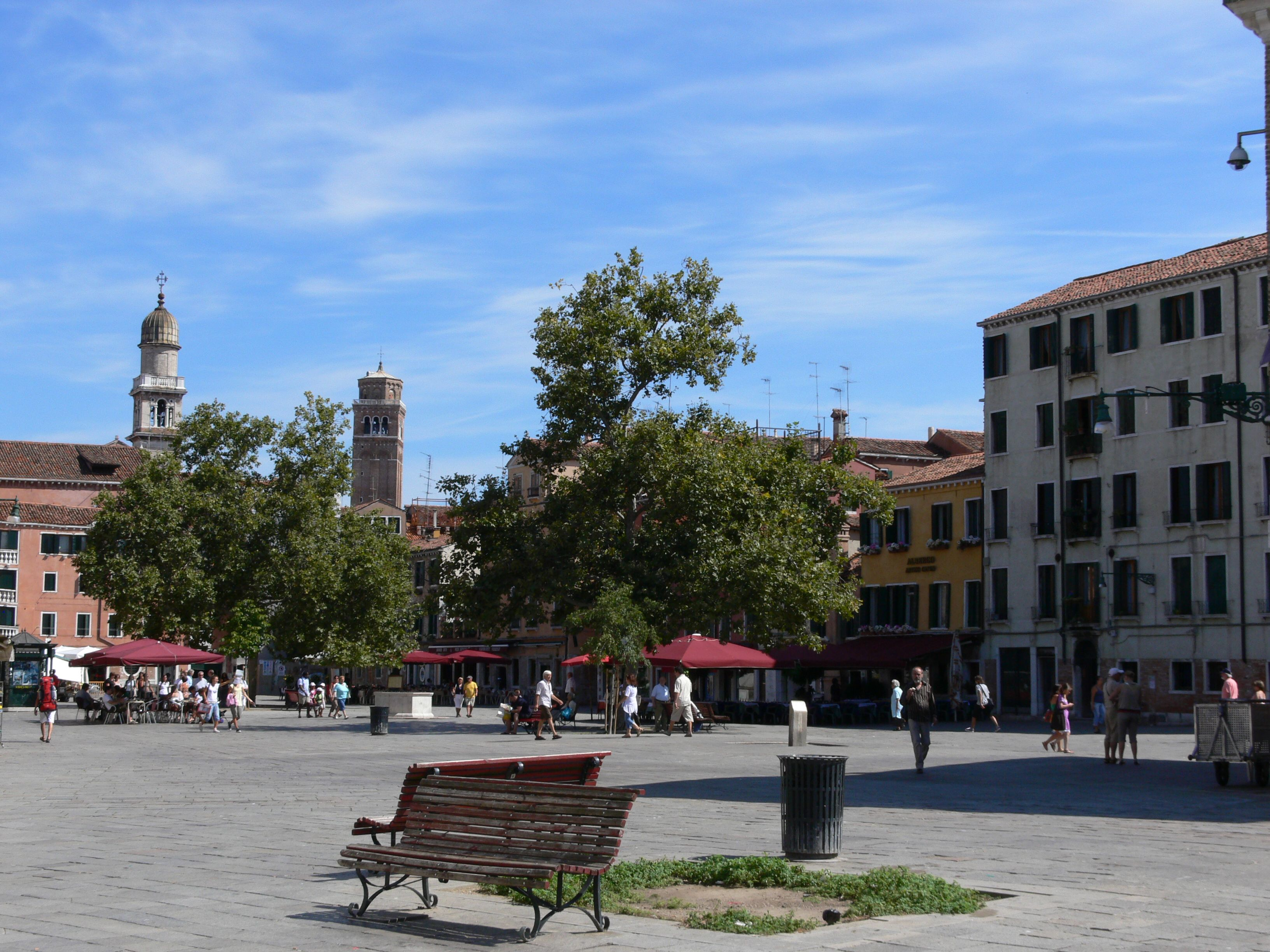 Campo Santa Margherita Venice The Most Popular Place For Young People In Venice