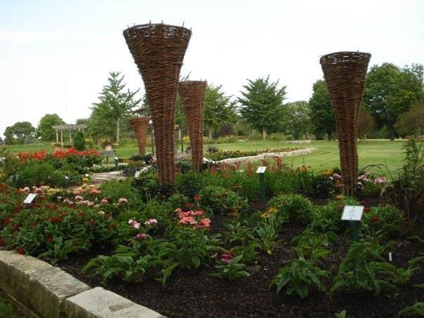 8d3f791ede8d575692b78e98a0e8dd6a - Who Owns The Gardens Of Cedar Rapids