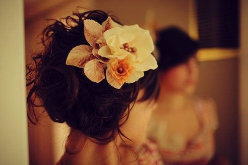 Flower hair accessory, also love it