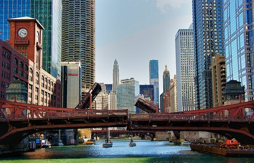 the architecture on the chicago river boat tour | great sights to
