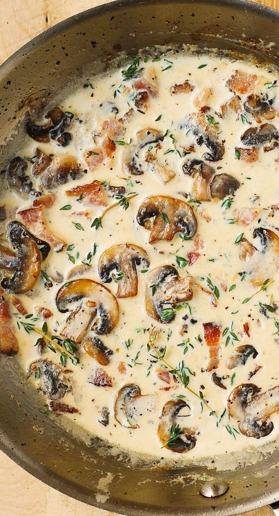 Mushroom Sauce with Bacon and Thyme