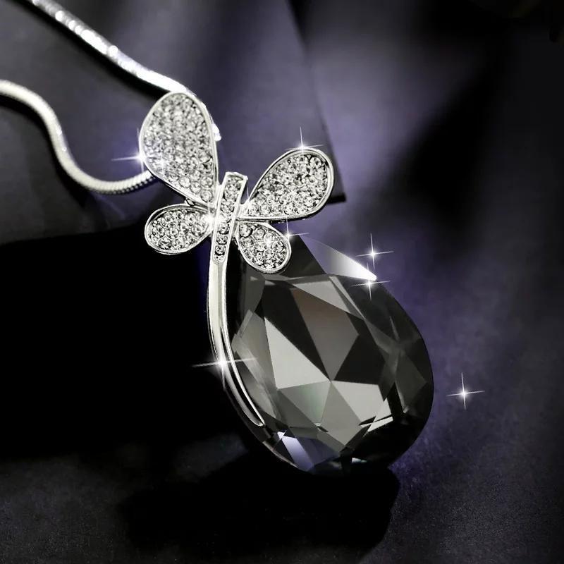 Fashioin Crystal Rhinestone Teardrop Butterfly Pendant Necklace Womens Jewelry