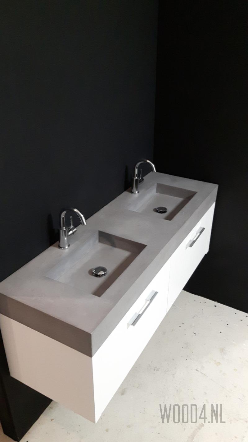 supergaaf dit houten badkamermeubel met licht gewicht betonnen