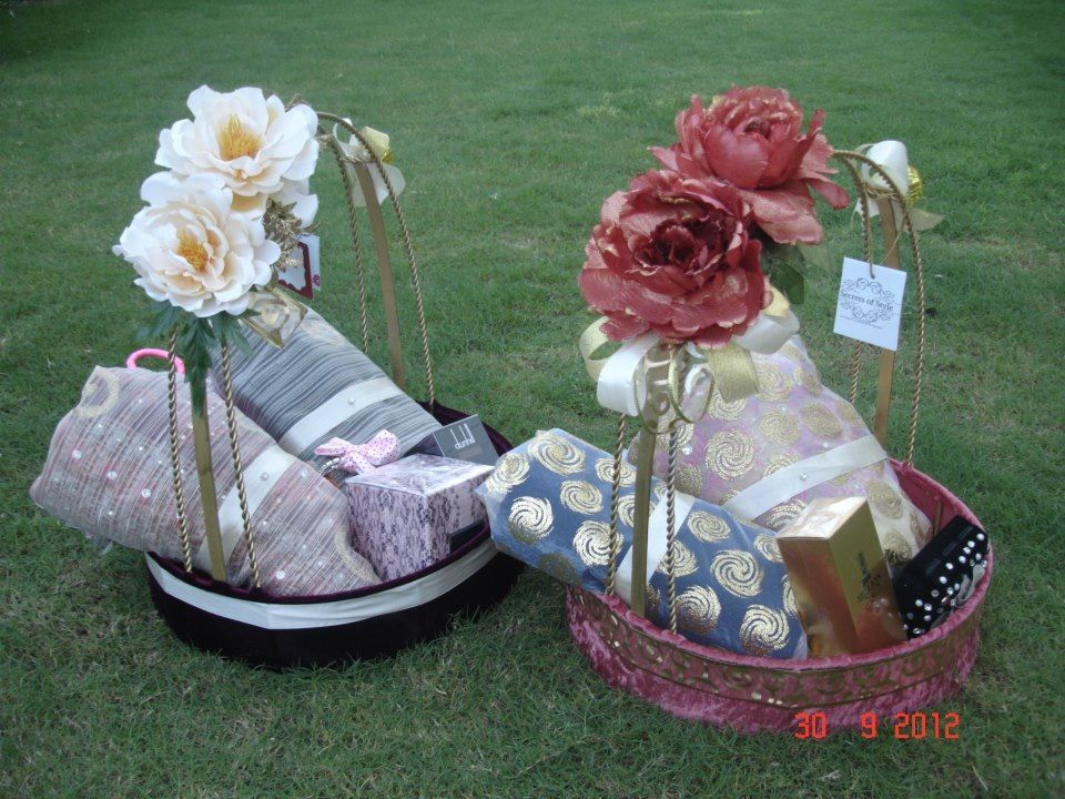 Decorated baskets for gifts wedding pinterest decorated baskets for gifts junglespirit Choice Image