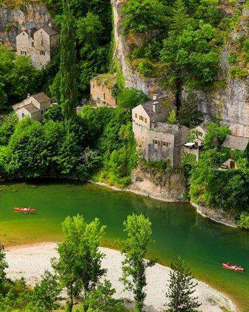 Les Gorges De Tarn Parc National De Cevennes National Parks Incredible Places Beautiful Places
